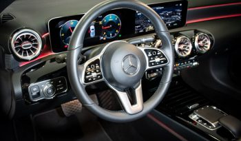 Mercedes-Benz Clase A 180d Night lleno